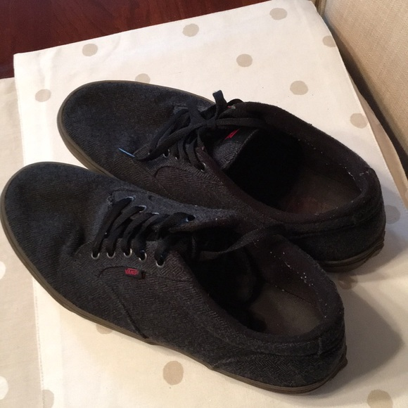 0a9ac3015f Men s Vans Cloth Uppers in Good Shape. Used. M 5b20eb4ac2e9fe4e2295a376